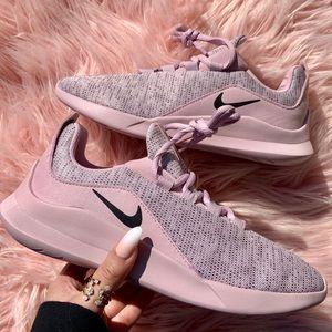 New Nike Women's Viale Premium Sneakers